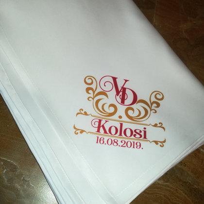 Dāvana - galdauts ar jaunlaulāto logo, izmērs un krāsa pēc pasūtījuma